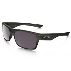 d10393e43c7 Oakley TwoFace sunglasses Woodgrain frame   Prizm .